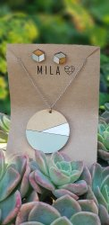 Mila White & Green Wooden Circle Necklace & Earrings - Nationwide Shipping Included