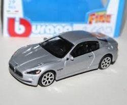 Bburago Street Fire Maserati Gran Turismo Silver 1 43