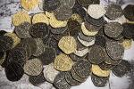 Beverly Oaks Metal Pirate Coins - 100 Gold And Silver Spanish Doubloon Replicas - Fantasy Metal Coin Pirate Treasure - Gold Silv